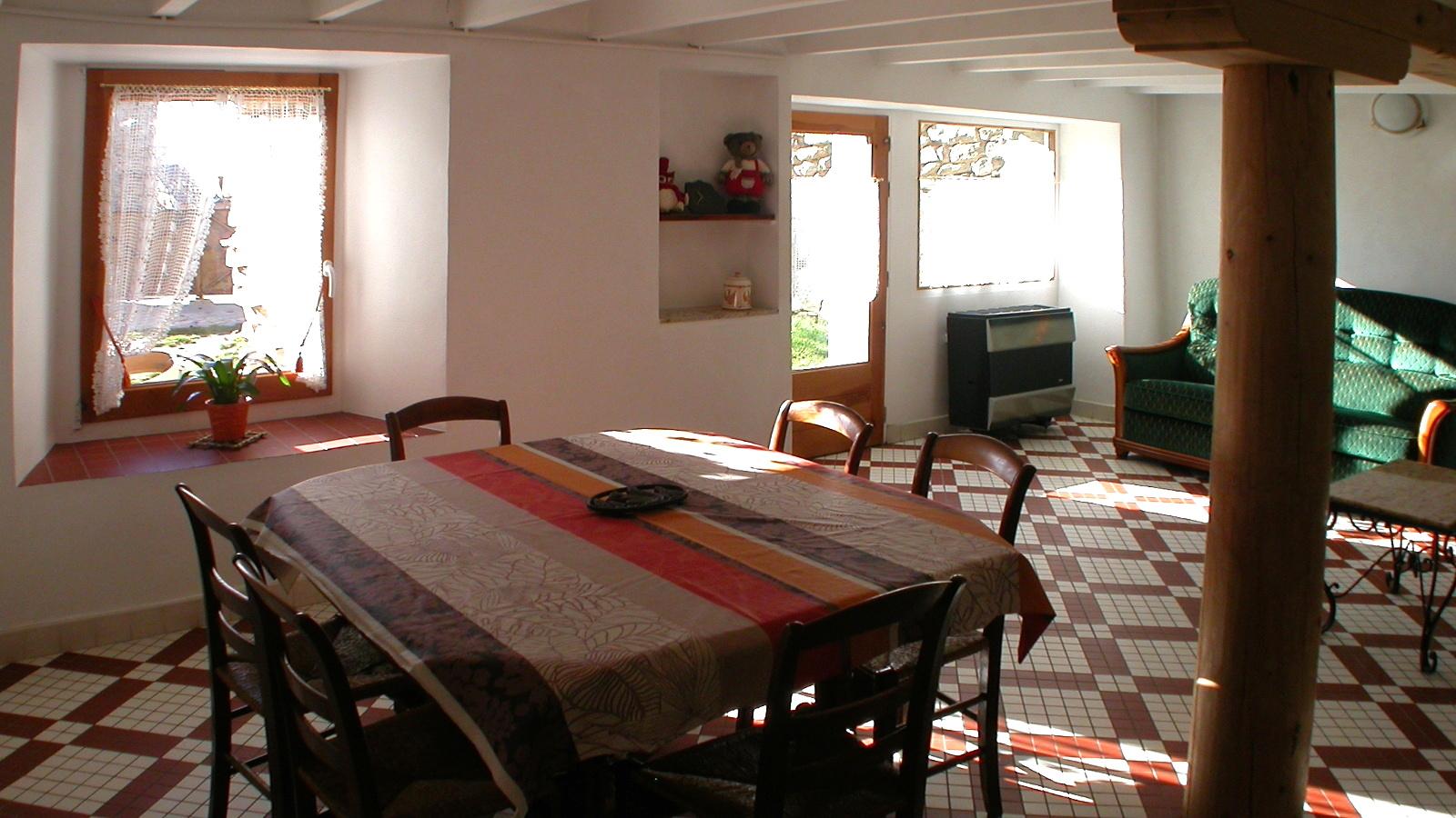 Casa rural Navarre en Dorres Sala Comedor